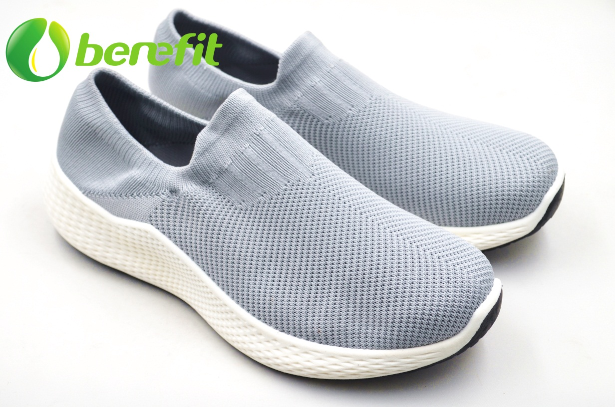 Casual Shoes for Men with Flyknit Upper And Modified PVC Double Color Sole