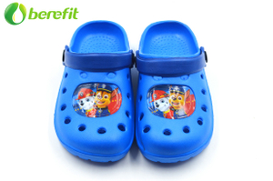 Blue Plastic Water Proof Garden Shoes for Children with Character Patch